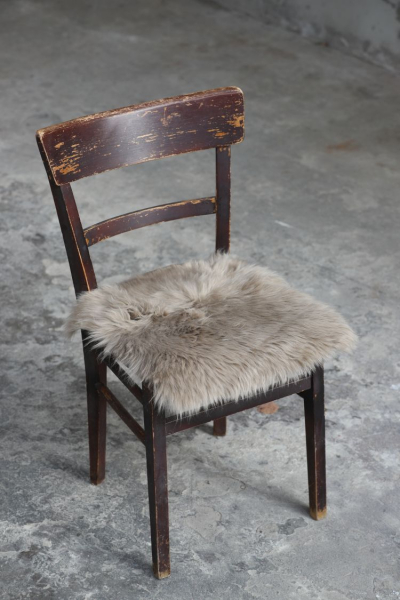 Lammfell Sitzauflage Taupe